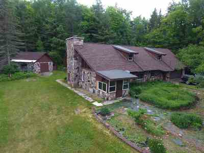 Negaunee Single Family Home For Sale: 107 Valley Rd