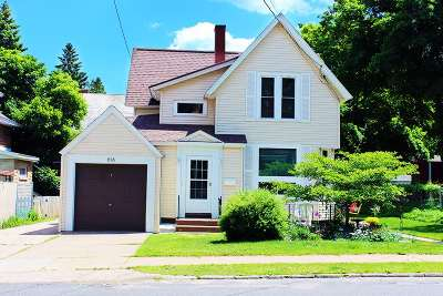 Marquette Single Family Home Pending w/Contingency: 616 Spruce St
