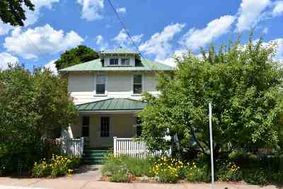 Marquette Single Family Home For Sale: 402 Harrison St