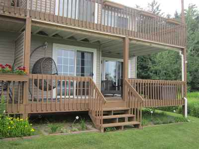 Munising Single Family Home Pending w/Contingency: 1000 W M28 West Bay Condominiums #1