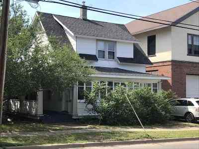 Marquette Single Family Home For Sale: 721 N Front St
