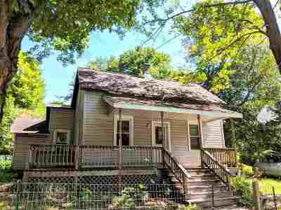 Negaunee Single Family Home For Sale: 304 Rolling Mill Rd