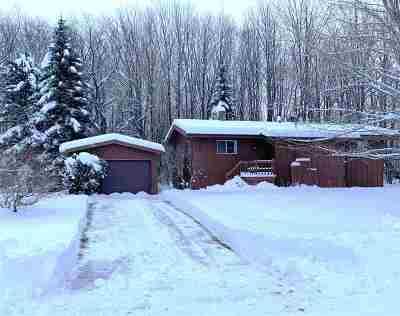 Marquette Single Family Home For Sale: 104 Dandelion Ln