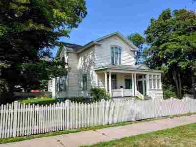 Negaunee Single Family Home For Sale: 133 E Main