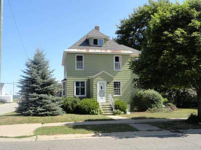 Munising Single Family Home Pending w/Contingency: 322 W Superior St