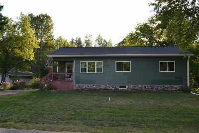 Gwinn Single Family Home For Sale: 195 N Low St