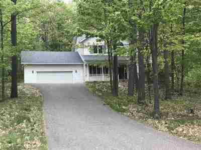 Marquette Single Family Home For Sale: 130 Huron Woods
