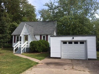 Marquette Single Family Home Pending w/Contingency: 590 Erie Ave