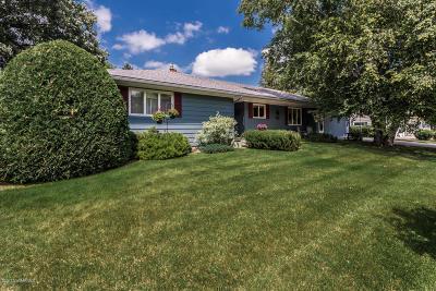 Crookston Single Family Home For Sale: 840 Groveland Avenue