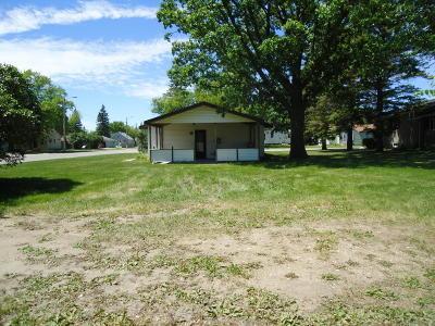 Thief River Falls Single Family Home For Sale: 1303 1st Street E