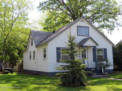 Thief River Falls Single Family Home For Sale: 316 Arnold Avenue S