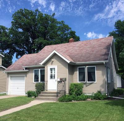 Thief River Falls Single Family Home For Sale: 114 Arnold Avenue N