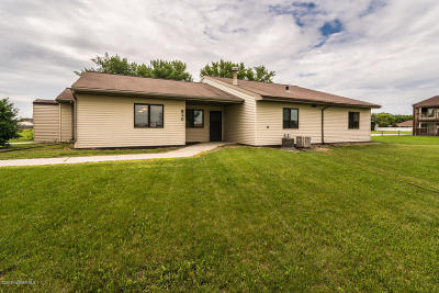 Crookston Single Family Home For Sale: 820 Eickhof Boulevard