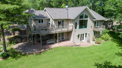 Single Family Home For Sale: 51832 Welle Drive