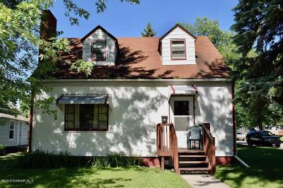 Thief River Falls Single Family Home For Sale: 623 Duluth Avenue N