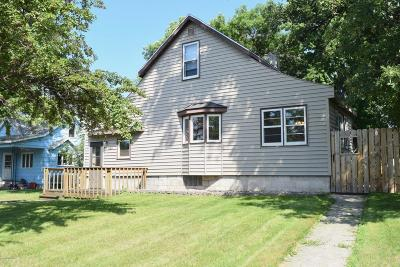 Red Lake Falls Single Family Home For Sale: 323 Main Avenue N