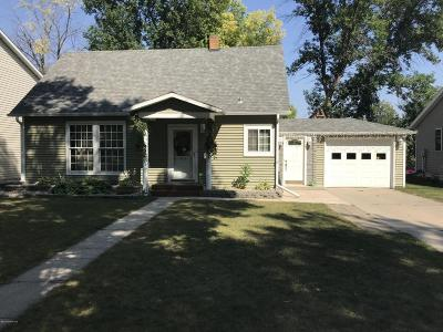 Thief River Falls Single Family Home For Sale: 426 Kneale Avenue S