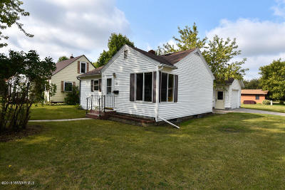 Thief River Falls Single Family Home For Sale: 723 Arnold Avenue N