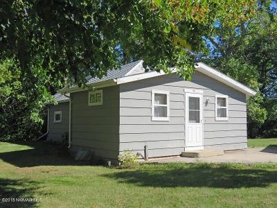Thief River Falls Single Family Home For Sale: 816 Columbia Avenue