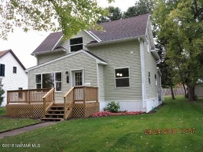 Thief River Falls Single Family Home For Sale: 617 Horace Avenue N
