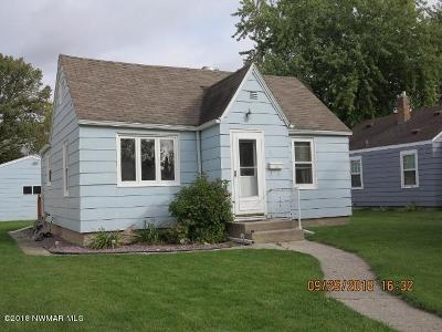 Thief River Falls MN Single Family Home For Sale: $98,000