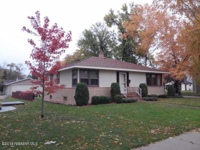 Thief River Falls MN Single Family Home For Sale: $148,900