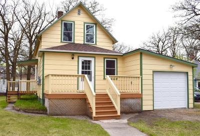 Karlstad Single Family Home For Sale: 101 2nd Street N