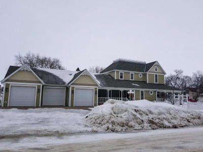 Thief River Falls Single Family Home For Sale: 503 Labree Avenue N