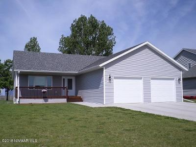 Thief River Falls Single Family Home For Sale