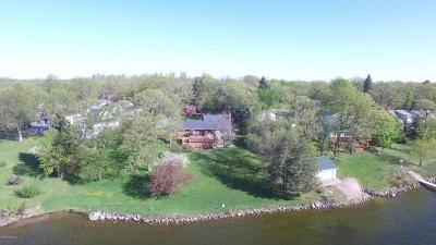 Mentor Single Family Home For Sale: 15687 Sandy Beach Road SE