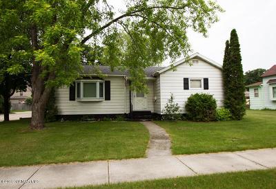 Thief River Falls Single Family Home For Sale: 221 Markley Avenue S