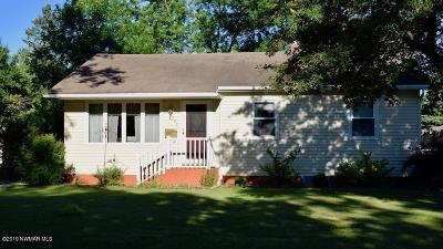 Thief River Falls Single Family Home For Sale: 303 Maple Avenue S