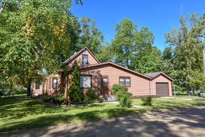 Thief River Falls Single Family Home For Sale: 129 Oak Avenue N