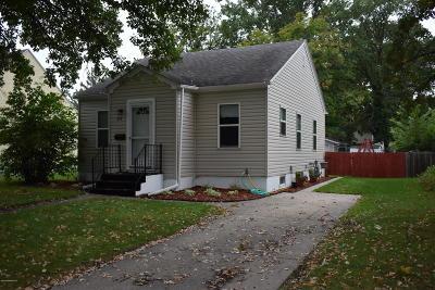 Thief River Falls Single Family Home For Sale: 917 Main Avenue N