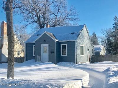 Thief River Falls Single Family Home For Sale: 302 Merriam Avenue N