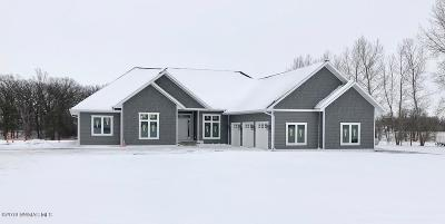 Thief River Falls Single Family Home For Sale: 20972 Willchard Drive