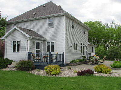 Argyle MN Single Family Home For Sale: $189,000