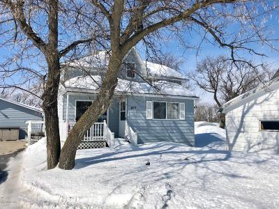 Badger MN Single Family Home For Sale: $169,500