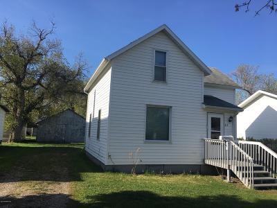 Crookston Single Family Home For Sale: 313 Leonard Avenue