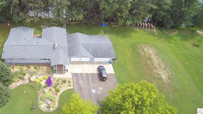 Single Family Home For Sale: 37432 Sunrise View Rd