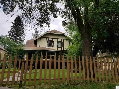 Single Family Home For Sale: 1312 Carlton Ave
