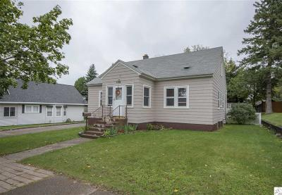 Single Family Home For Sale: 126 9th St