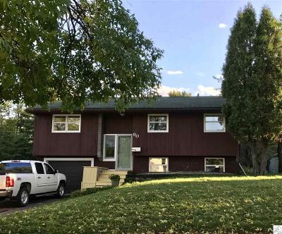 Single Family Home For Sale: 90 Hays Cr