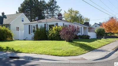 Single Family Home For Sale: 2140 Carlton Ave