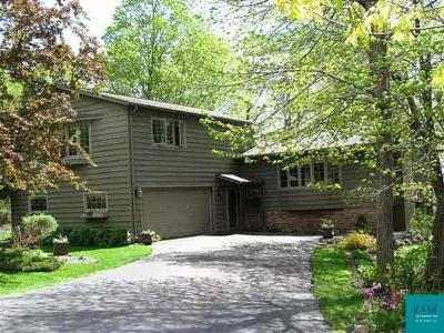 Duluth Single Family Home For Sale: 2164 Woodhaven Ln