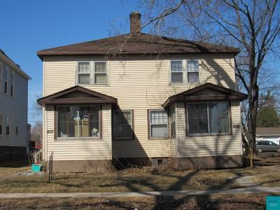 Superior Multi Family Home For Sale: 2015-17 Hughitt Ave