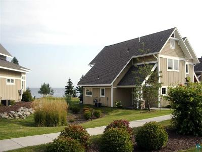 Two Harbors Condo/Townhouse For Sale: 596 Larsmont Way