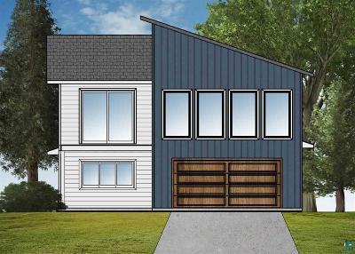Duluth Single Family Home For Sale: 1543 E Skyline Pkwy