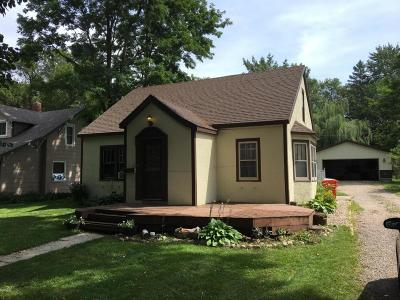 Douglas County Single Family Home For Sale: 411 Lake Street