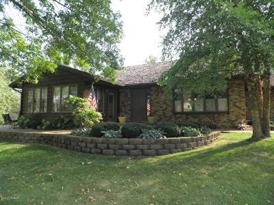 Douglas County Condo/Townhouse For Sale: 2901 Le Homme Dieu NE